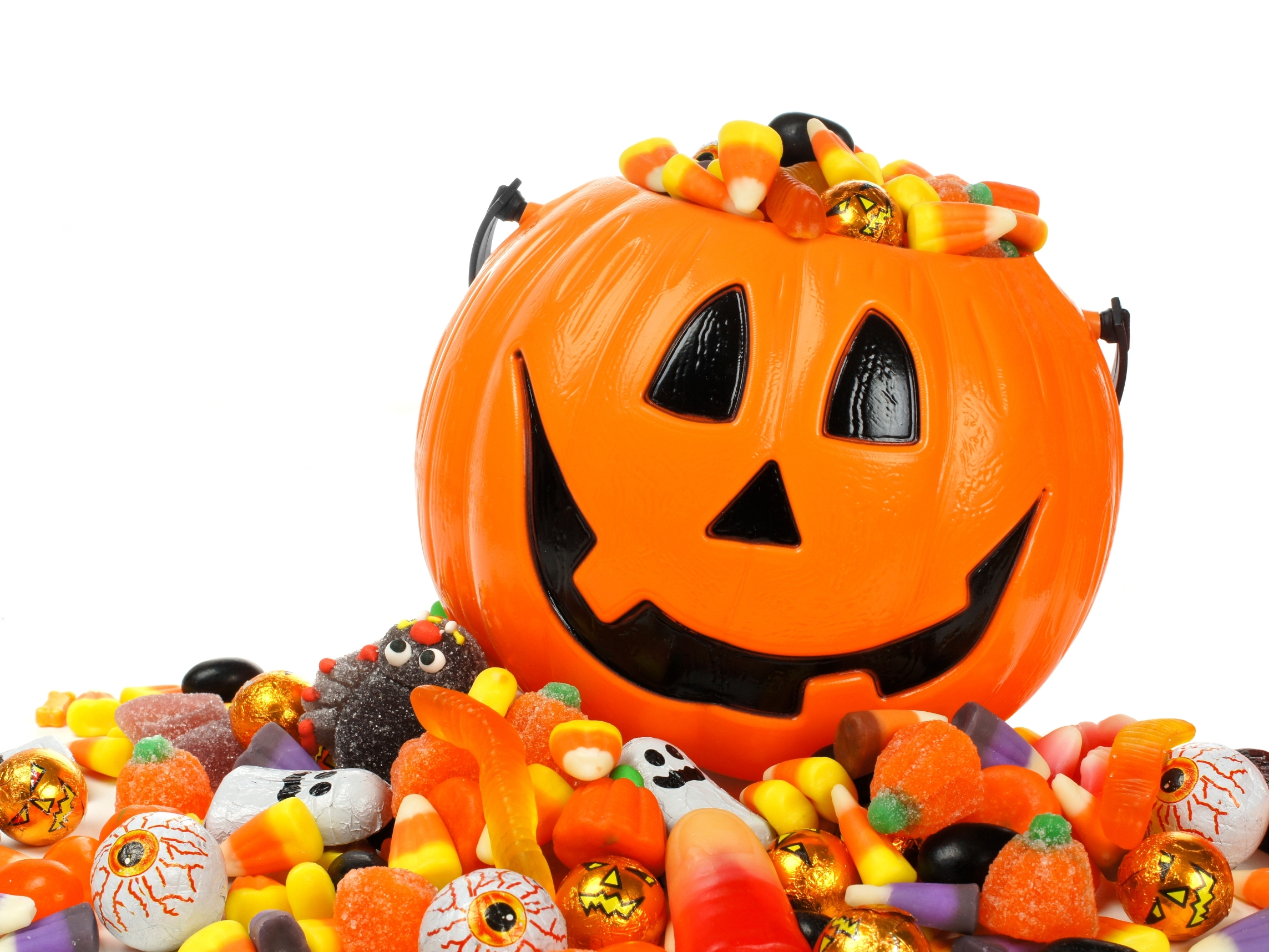 Photo of Four Weird Things to Do with Your Leftover Halloween Candy